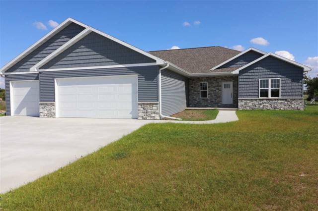 2719 N Fallen Oak Drive, Appleton, WI 54913 (#50191687) :: Symes Realty, LLC