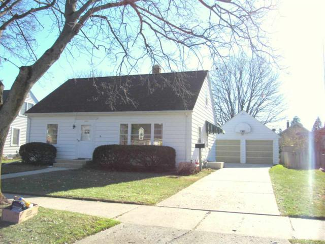 2203 Fairmont Street, Manitowoc, WI 54220 (#50193873) :: Todd Wiese Homeselling System, Inc.