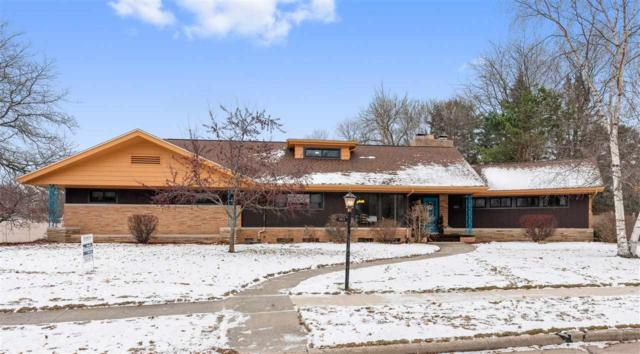 1011 E Crescent Drive, Manitowoc, WI 54220 (#50195406) :: Todd Wiese Homeselling System, Inc.