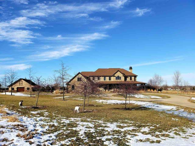 W3586 Equestrian Trail, Appleton, WI 54913 (#50195935) :: Todd Wiese Homeselling System, Inc.