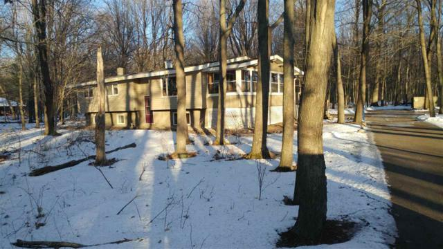 7957 6TH Court, Waupaca, WI 54981 (#50196083) :: Dallaire Realty