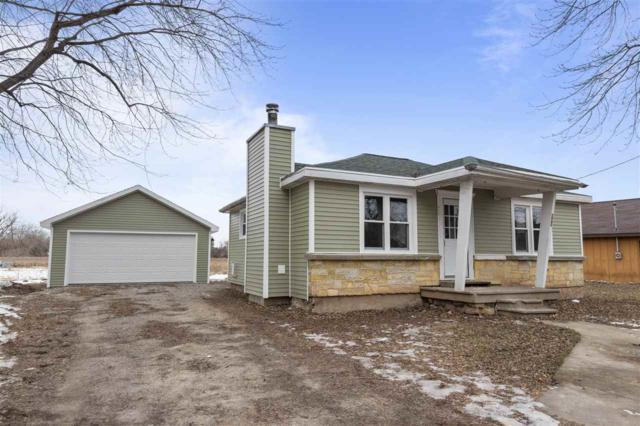 599 Hunters Point Road, Neenah, WI 54956 (#50196522) :: Todd Wiese Homeselling System, Inc.