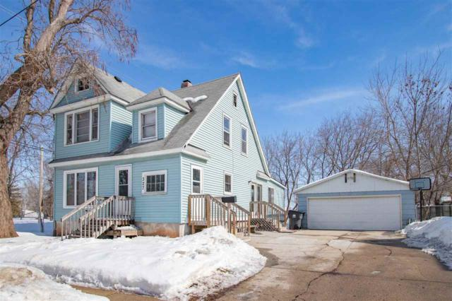 327 Center Street, Neenah, WI 54956 (#50198895) :: Todd Wiese Homeselling System, Inc.