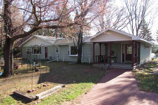 N2990 Highland Lane, Waupaca, WI 54981 (#50198912) :: Dallaire Realty