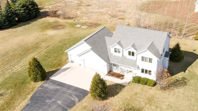 4359 Double Winds Way, New Franken, WI 54229 (#50200524) :: Todd Wiese Homeselling System, Inc.