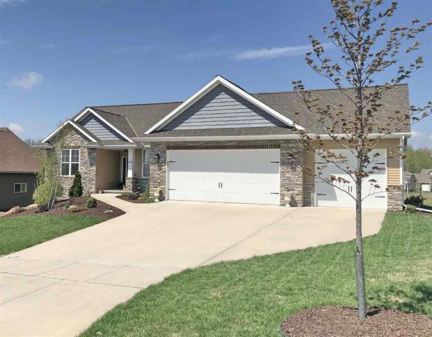 3720 Copper Oak Circle, Green Bay, WI 54313 (#50201094) :: Todd Wiese Homeselling System, Inc.