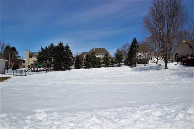 3108 S Gothic Circle, Green Bay, WI 54313 (#50201814) :: Todd Wiese Homeselling System, Inc.