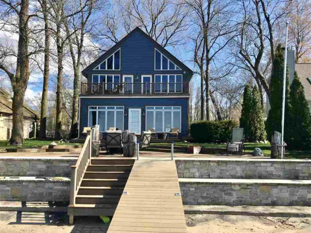 6103 Sunset Shores, Luxemburg, WI 54217 (#50202790) :: Todd Wiese Homeselling System, Inc.