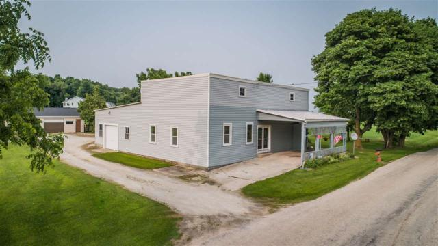 3135 Man-Cal Road, Reedsville, WI 54230 (#50203856) :: Todd Wiese Homeselling System, Inc.