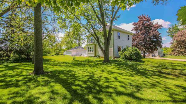 1678 Day Street, Greenleaf, WI 54126 (#50204277) :: Dallaire Realty