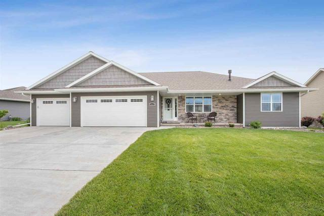 1027 Chapel Hill Circle, Green Bay, WI 54313 (#50205365) :: Dallaire Realty