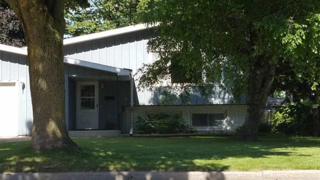 1815 S Mohawk Drive, Appleton, WI 54914 (#50206417) :: Dallaire Realty