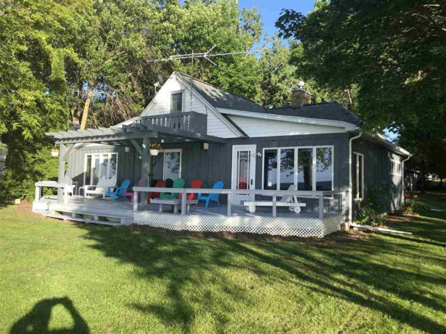 6153 Sandy Cove Road, Luxemburg, WI 54217 (#50206731) :: Dallaire Realty