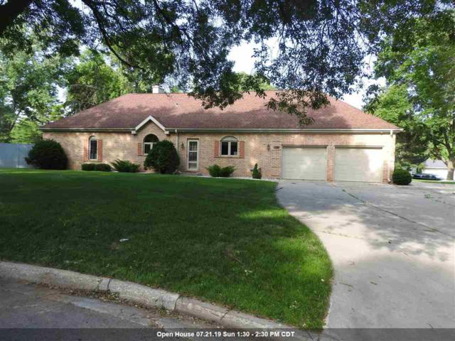 1320 Oak Crest Drive, Green Bay, WI 54313 (#50207019) :: Todd Wiese Homeselling System, Inc.