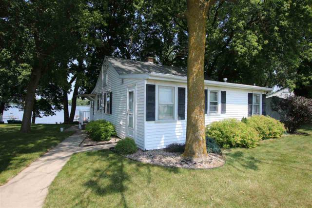 W925 S Shore Lane, Saint Cloud, WI 53079 (#50207476) :: Todd Wiese Homeselling System, Inc.