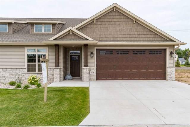 208 Smithfield Drive, Kimberly, WI 54136 (#50210113) :: Dallaire Realty