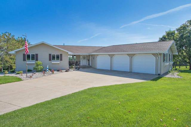 W8053 Hillcrest Court, Hortonville, WI 54944 (#50210950) :: Todd Wiese Homeselling System, Inc.