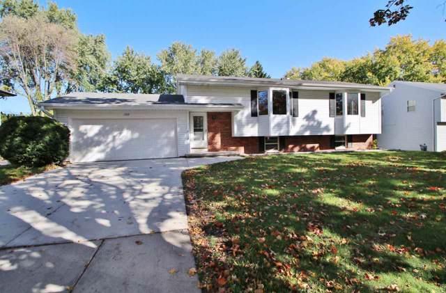 1288 Carole Lane, Green Bay, WI 54313 (#50213066) :: Todd Wiese Homeselling System, Inc.