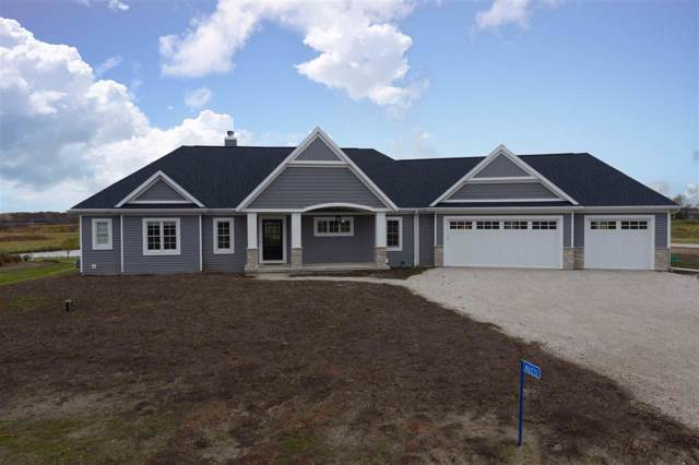 N6032 Backwater Drive, Fond Du Lac, WI 54937 (#50213237) :: Todd Wiese Homeselling System, Inc.