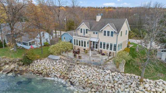4753 Edgewater Beach Road, Green Bay, WI 54311 (#50213540) :: Todd Wiese Homeselling System, Inc.