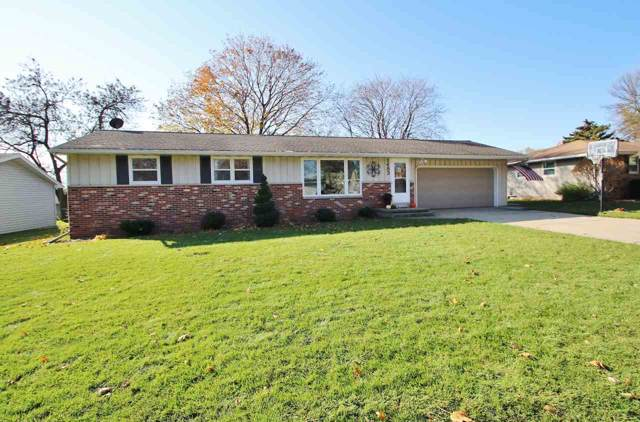 1483 Apache Avenue, Green Bay, WI 54313 (#50213682) :: Todd Wiese Homeselling System, Inc.