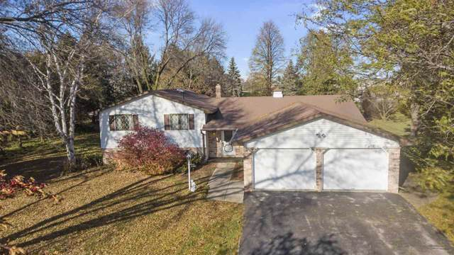 702 Ralph Street, Luxemburg, WI 54217 (#50213718) :: Todd Wiese Homeselling System, Inc.