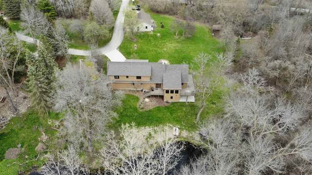 N3940 Twin Lake Lane, Eden, WI 53019 (#50215900) :: Symes Realty, LLC