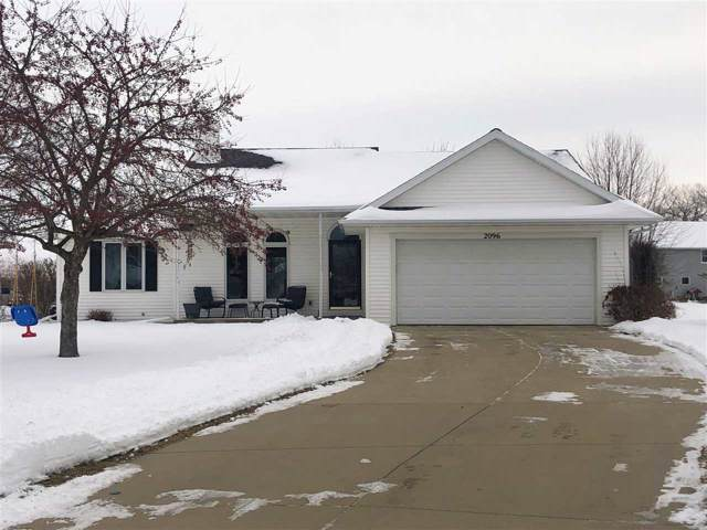 2096 E Baraboo Circle, De Pere, WI 54115 (#50216239) :: Todd Wiese Homeselling System, Inc.