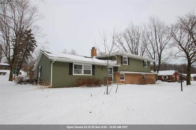 2106 Hickory Lane, New Holstein, WI 53061 (#50216365) :: Todd Wiese Homeselling System, Inc.