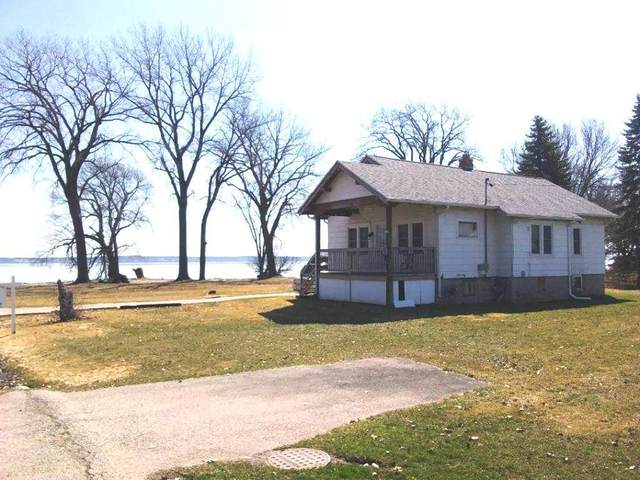W6082 Cemetery Road, Van Dyne, WI 54979 (#50216952) :: Todd Wiese Homeselling System, Inc.