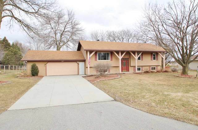 W3792 Highview Drive, Appleton, WI 54913 (#50217537) :: Todd Wiese Homeselling System, Inc.
