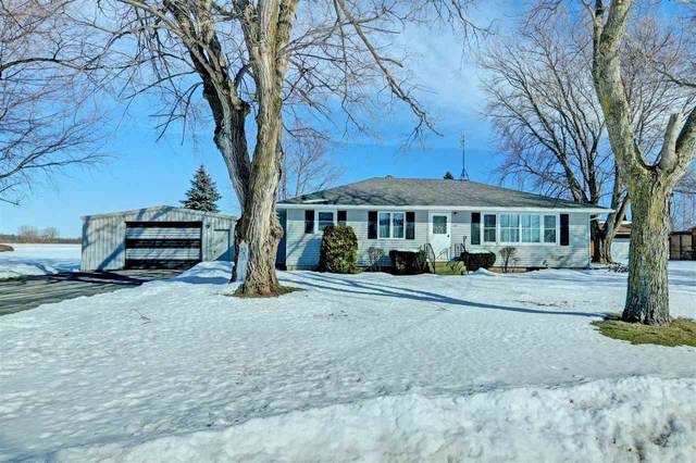 1010 Paramount Drive, Chilton, WI 53014 (#50217825) :: Todd Wiese Homeselling System, Inc.