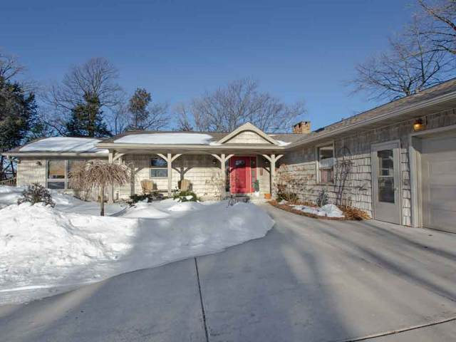 4641 Esther Lane, Green Bay, WI 54311 (#50218159) :: Todd Wiese Homeselling System, Inc.