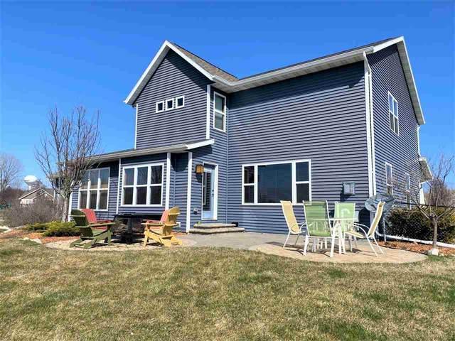 3945 Braeburn Street, Oshkosh, WI 54904 (#50218733) :: Todd Wiese Homeselling System, Inc.