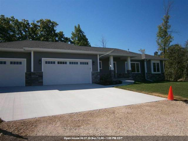 4289 Stonegate Drive, Oshkosh, WI 54904 (#50219401) :: Carolyn Stark Real Estate Team
