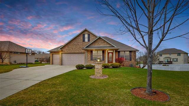 3357 Whittier Drive, Green Bay, WI 54311 (#50220921) :: Todd Wiese Homeselling System, Inc.