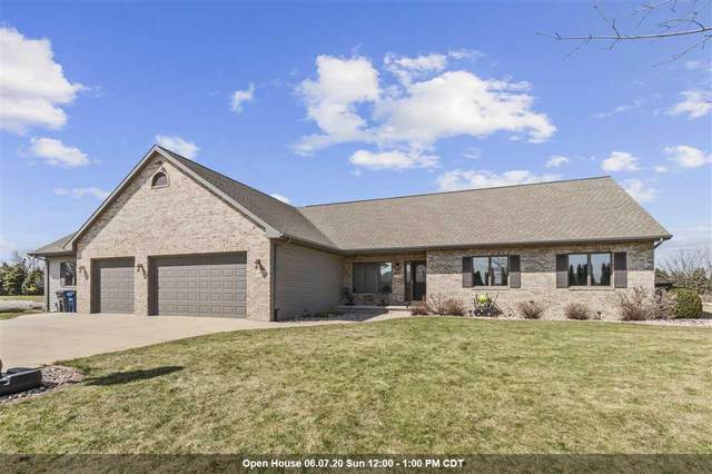 W7246 Westhaven Drive, Greenville, WI 54942 (#50221102) :: Todd Wiese Homeselling System, Inc.