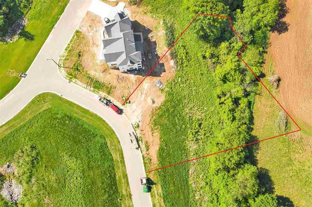 4674 Terra View Trail, De Pere, WI 54115 (#50221462) :: Todd Wiese Homeselling System, Inc.
