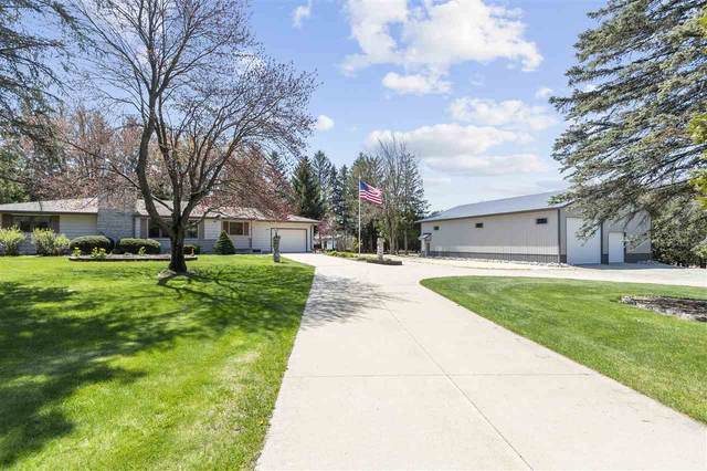 W6911 Spencer Road, Appleton, WI 54914 (#50221860) :: Todd Wiese Homeselling System, Inc.