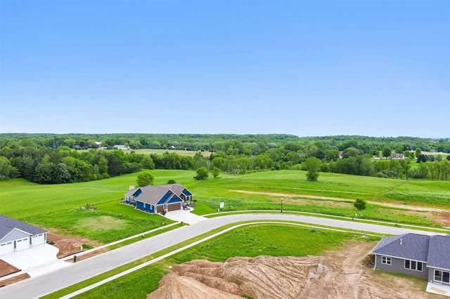 4252 Downton Circle, Green Bay, WI 54313 (#50222409) :: Town & Country Real Estate