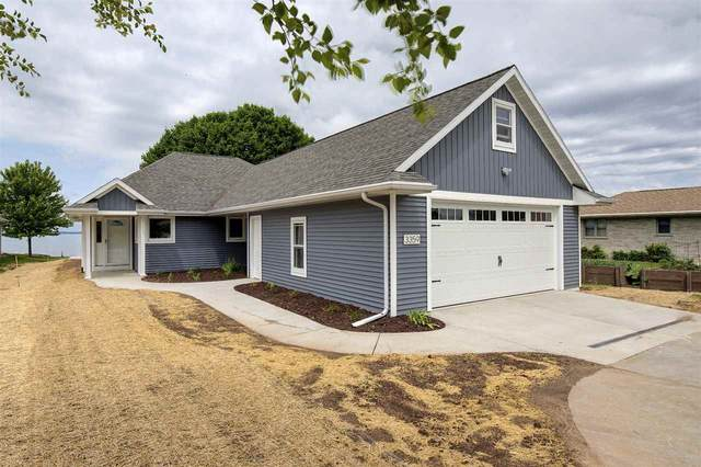 3359 Beach Lane, Green Bay, WI 54311 (#50223740) :: Todd Wiese Homeselling System, Inc.