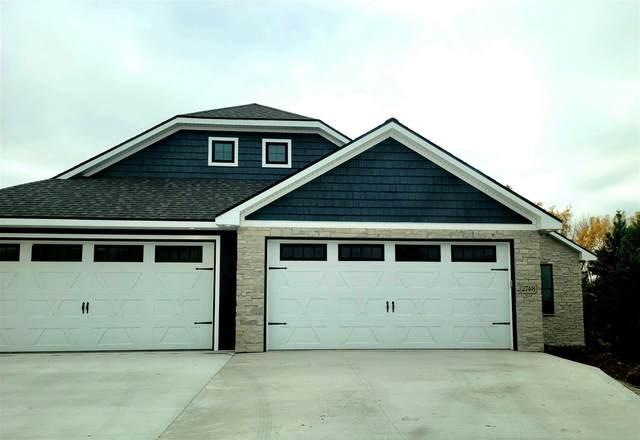 2748 Castaway Court, Green Bay, WI 54311 (#50225428) :: Ben Bartolazzi Real Estate Inc