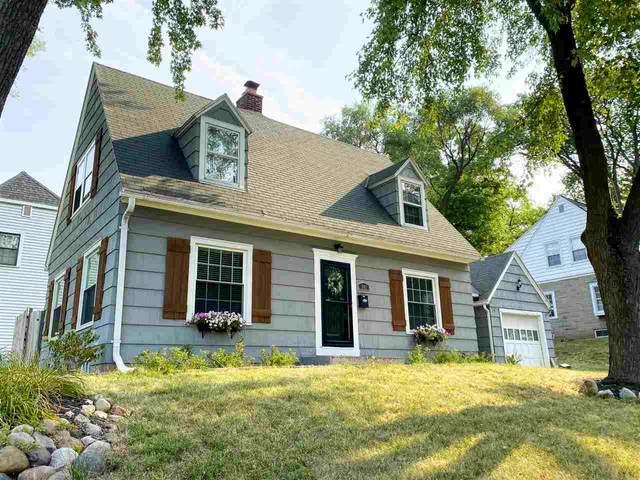 701 Allouez Terrace, Green Bay, WI 54301 (#50228338) :: Ben Bartolazzi Real Estate Inc