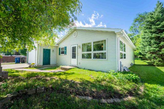 455 Riverview Court, Omro, WI 54963 (#50228831) :: Symes Realty, LLC