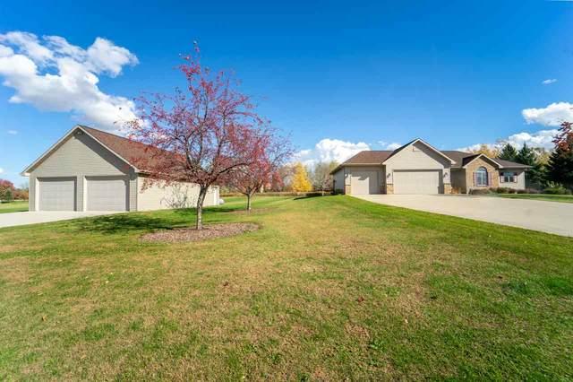 N1264 Laudon Lane, Hortonville, WI 54944 (#50231130) :: Ben Bartolazzi Real Estate Inc