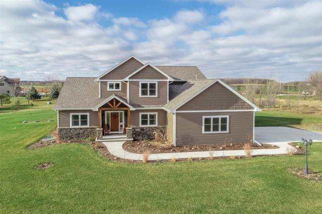 W161 Rolling Acres Court, Kaukauna, WI 54130 (#50232233) :: Ben Bartolazzi Real Estate Inc