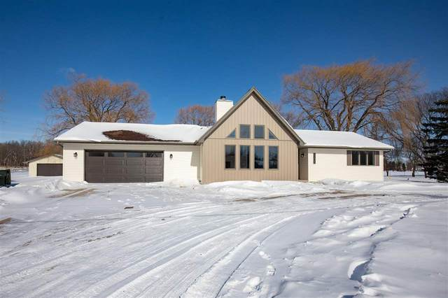 3022 W Shady Lane, Neenah, WI 54956 (#50235617) :: Town & Country Real Estate
