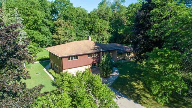 3010 Ridgeway Drive, Neenah, WI 54956 (#50241807) :: Todd Wiese Homeselling System, Inc.