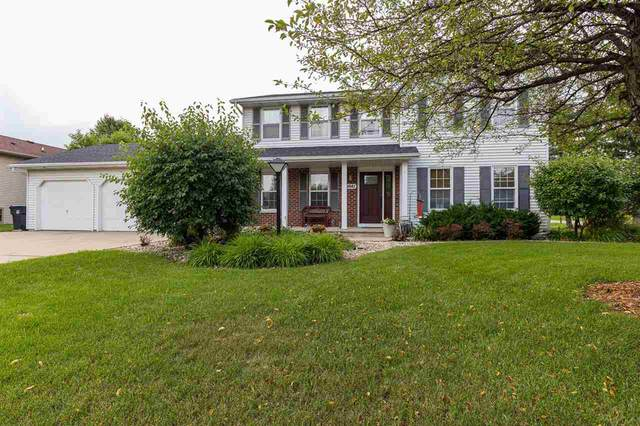 W6041 Coral Court, Appleton, WI 54915 (#50244136) :: Todd Wiese Homeselling System, Inc.