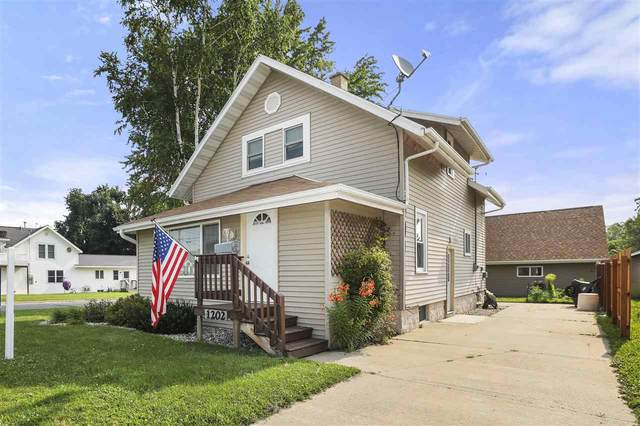 1202 Division Street, New London, WI 54961 (#50244427) :: Todd Wiese Homeselling System, Inc.